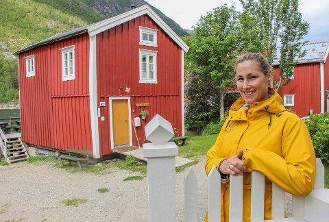 ÆREFULLT: Katrine Remmen Wiken  skal guide dronning Sonja gjennom Sjøgata.