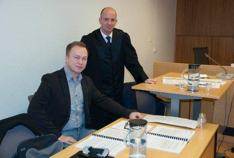 VANT OVER BOREAL: Verneombud Stig Runar Andersen med sin advokat Runar Homble under forhandlingene i Hammerfest tingrett i februar i år.