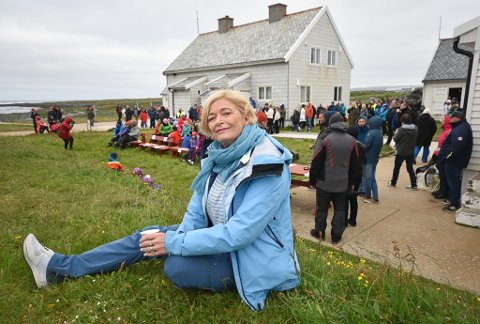 STERKE BÅND: Kjellbjørg Mathiesen fra  Honningsvåg er alltid på plass under Kulturdugnad Gamvik. Hun har ingen slektninger igjen i Gamvik, men føler likevel sterke bånd til bygda.