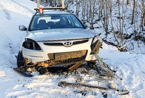TOTALVRAK: Denne bilen havnet utenfor veien på E45 i Øvre Alta i slutten av oktober 2020 og ble totalvrak.