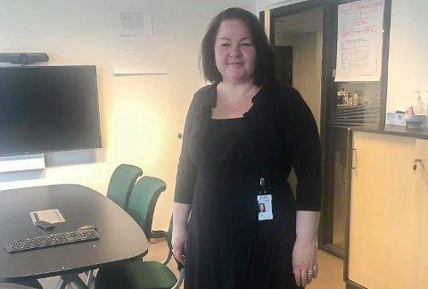 STOLT: - Heldigvis har vi mange av våre helsearbeidere ute av karantene og tilbake på jobb, sier kommunalsjef for helse og omsorg Stina Løkke