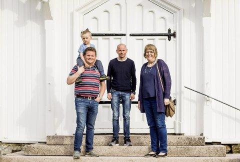 Gjør endring: Vebjørn Berg (t.v.), Gro Golimo Simonsen og Haakon Raadim tror dette blir en bra løsning for alle parter og håper mange møter opp til gudstjenesten i forkant av barnetoget.
