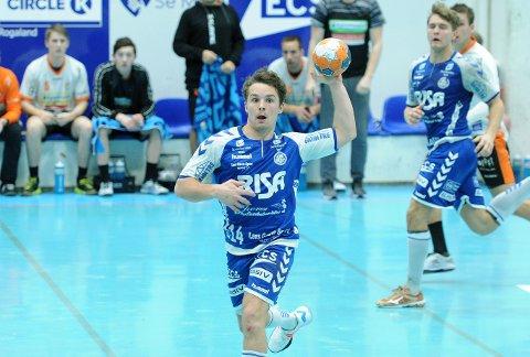 NY HJEMMEKAMP: Theodor Svensgård og Rassin Haugseng (i bakgrunnen) spiller mot Runar i Nye Loen lørdag ettermiddag.