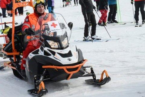 OPPDRAG: Røde Kors sine mannskaper på Gautefall  hentet langfredag ut to personer fra terrenget.