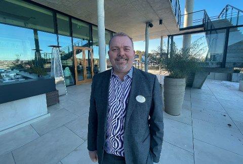 FRAMTIDSPLANER: Hotelldirektør Espen Westlie ved Kragerø Resort letter på sløret om hotellets utbyggingsplaner.
