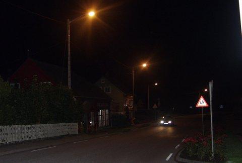 Langs kommunale vegar kan det dei neste åra bli utskifting av mange lyspærer. (Illustrasjonsfoto frå arkivet).