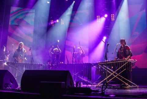 Tysdag spelte Mhodzi Marimba i Olavshallen i Trondheim under landsfinalen i UKM. (Foto: Irene Risan).