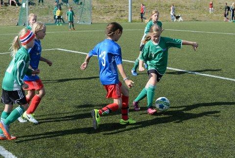 AVLYSER: Skrims fotballgruppe avlyser sin populære fotballcup.