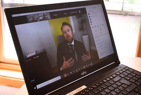 Arbeids- og inkluderingsminister Torbjørn Røe Isaksen brukte en time  fredag ettermiddag på et nettmøte med IDEA Kompetanse.