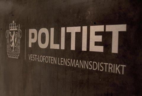Mannen må svare for flere brudd på Vegtrafikkloven § 31 i Lofoten tingrett.