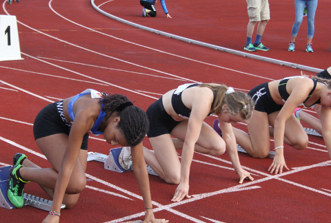 DIREKTE: Junior-NM i friidrett har med deltakere fra Lyngdal.