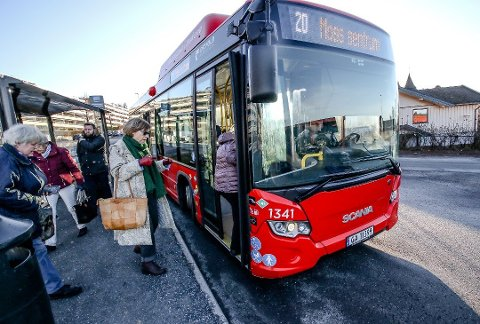 DYRERE: Enkelte bussbilletter blir nå dyrere etter en prisjustering hos Østfold Kollektivtrafikk, og et av busstilbudene går fra å være gratis til å koste penger.