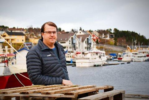 ØNSKER Å PRESISERE: Fisker Tore Myhre er redd for at folk skal tro at kveita som fiskes langs Namdalskysten ikke er trygg å spise. – Det er ingen fare knyttet til kveita som lokalfiskerne fisker.