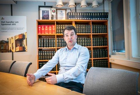 GODE RÅD: Advokat Eskild Freibu sier at en byggekontrollør er en billig investering hvis du står i en oppussingsjobb. Foto: Torgrim Rath Olsen
