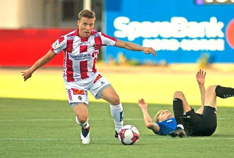 INVOLVERT I ALT: En scoring, en assist, en tredjeassist - og en assist til en motspiller. Det er den beste måten å oppsummere Ruben Yttergård Jenssens kveld på.