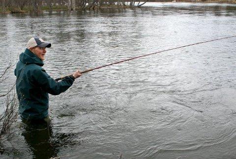 STENGES: Snart kan du ikke fiske laks i Reisaelva.