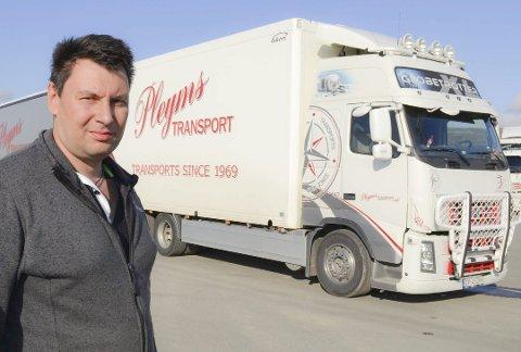 MÅTTE TA GREP: Bjørn Tore Pleym, transportlederi Pleyms transport AS i Vadsø måtte  ta grep for å sikre videre drift av selskapet.