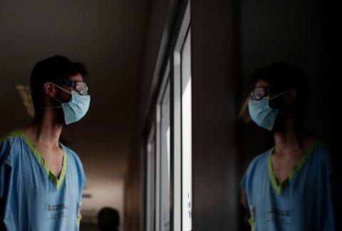KORONA: Det er fortsatt begrenset kunnskap om senvirkninger av covid-19. Bildet viser en intensivlege på et sykehus i Buenos Aires i Argentina. Foto: Natacha Pisarenko (AP)