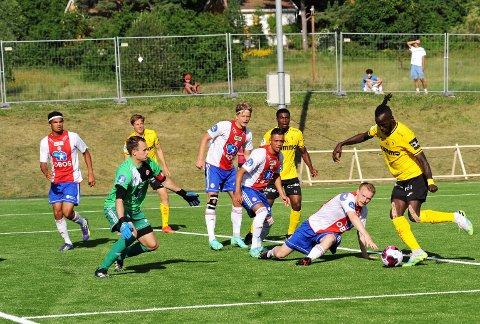 BOM: Mame Mor Ndiaye og Raufoss sløste med sjansene og rotet bort poengene mot KFUM på Ekeberg.