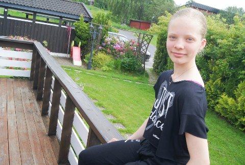 BALLETT ER LIVET: Vilma Moberg fra Hebekk i Ski har vært helt oppslukt av ballett siden hun så Nøtteknekkeren for første gang i Operaen som 7-åring. Nå skal hun begynne på Ruseløkka ungdomsskole, som har dans som en del av undervisningen.