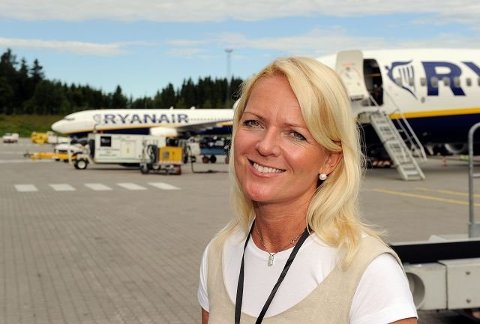REKORDÅR: Til tross for at lavprisselskapet Ryanair har vært ute i hardt vær den siste tiden, er Tine Kleive-Mathisen, markedssjef ved Torp Sandefjord Lufthavn, glad for at det blir et rekordår for flyplassen. Arkivfoto: Olaf Akselsen