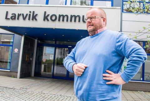IKKE PLUSS I ÅR: Paul Hellenes og Larvik kommune kan ikke forvente noen ekstra kroner fra Primæroppgavefondet i år.
