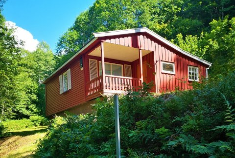 NÅ ER DEN SOLGT: Her er hytta ved Farris som Paal Espen Wingaard og familien la ut for salg på Facebook.
