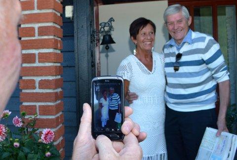 POPULÆRT VERTSSKAP: Anne og Gjermund Eggen tar i mot besøkende på Egga i Hylleråsen.
