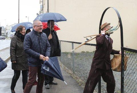 Geir Jørgen Bekkevold (KrF) og de andre medlemmene av Familie- og kulturkomiteen på Stortinget besøkte i går Grenland Friteater for å bli orientert om planene for et senter for fri scenekunst.