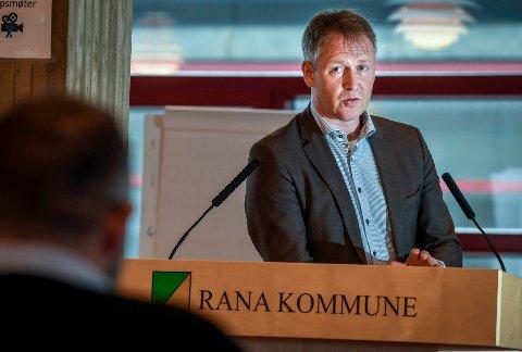 Rådmann Robert Pettersen slår fast at Rana kommune ikke tolerer sjikane og straffbar adferd i sosiale medier og kommentarfelt.