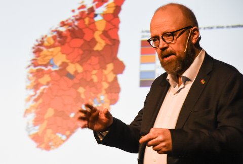 Geir Waage, ordfører i Rana, benyttet anledninga til å takke alle som har bidratt til å slå ring om sykehuset i Rana, og som er delaktige i delseieren slik han karakteriserer forslaget for framtidas sykehusstruktur på Helgeland.