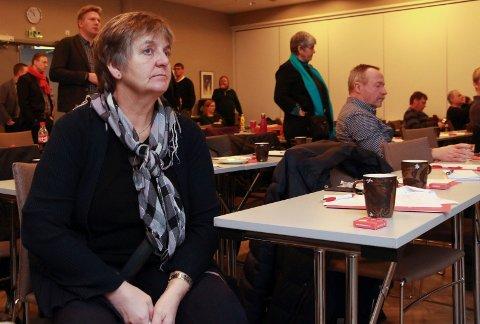 En forkjølet Berit Hundåla fulgte godt med da helseminister Bent Høie risset opp framtidas  spesialisthelsetjeneste på Helgeland.