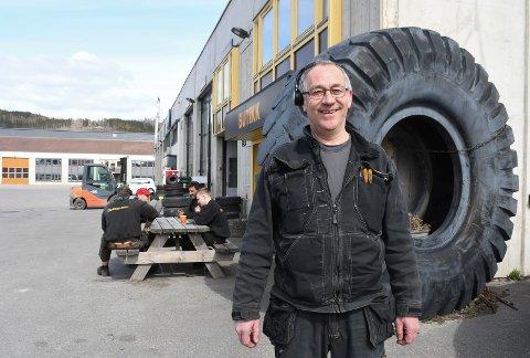 Trofast medarbeider: Rune Saugstad har vært ansatt ved Dekkmann Rudshøgda siden 1990.