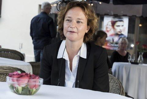 Sara Johnsen skal skrive manuset til dramaserien om 22. juli. Ektemannen Pål Sletaune skal regissere.