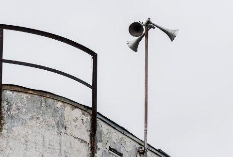 Sivilforsvarets varslingshorn i Ankers gate i Hønefoss..