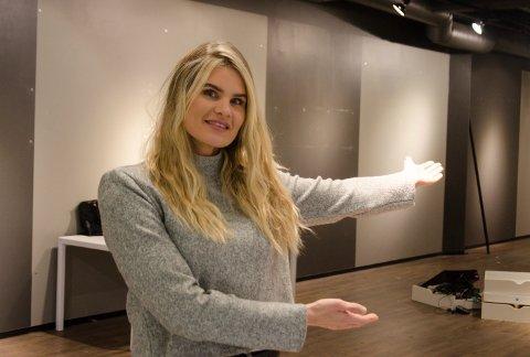 PÅ FLYTTEFOT: Jeanette Myhre gleder seg til hun kan ønske kunder velkommen til de nye -lokalene.