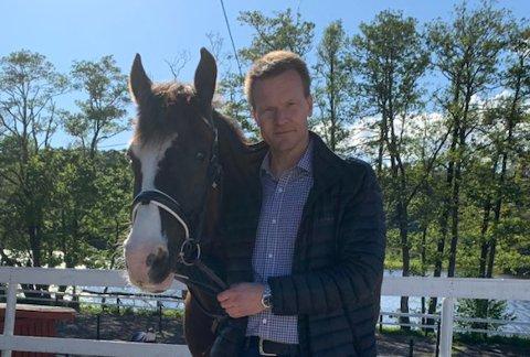 ENGASJERT: Advokat Vegard Bø Bahus fra Advokatfirmaet Bahus AS i Kristiansand har særlig kompetanse innen dyrevelferdsrett. Foto: Privat