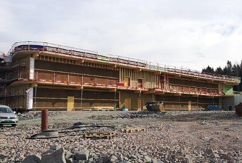 23 MARS: Torvbråten skole tar form, og skal etter planen være klar etter jul 2021.