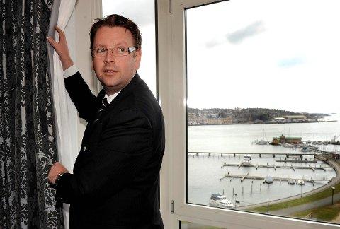 I konkurranse med andre byer: Hotelldirektør Thomas Ødegård håper å få arrangementet til Park hotell. Søkeren vil først vite om de får utvidet skjenketid. Arkivfoto: Olaf Akselsen