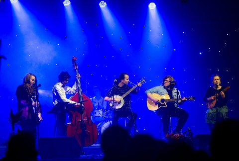 SOL-konsert: Den årlige solidaritetskonserten med elever fra Greåker videregående skole holdes i kveld, og streames på sa.no. Her fra SOL-konserten i 2013.