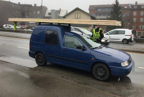 Bilføreren fikk førerkortet beslaglagt etter å være stoppet med denne lasten.