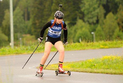 LOVENDE: Inga Overland har fått en helt annen treningshverdag etter at hun begynte på skiskytter og idrettslinjen i Steinkjer.
