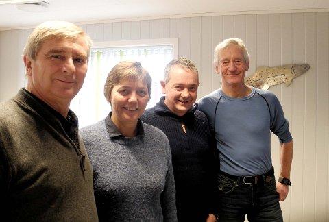 Fra venstre Kurt Holmen, daglig leder i Grundvågen AS, Randi Eines, økonomikonsulent i Smøla Handelskompani, Mikal Arild Eines, daglig leder i Smøla Handelskompani og Per Gunnar Kvendseth (Pelle), daglig leder Smøla Klekkeri.