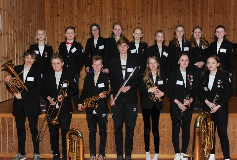 Musikantene i BHU skolekorps er godt forberedt og gleder seg til møtet med Haakon Esplo og spille sammen med ungdomskorpset.