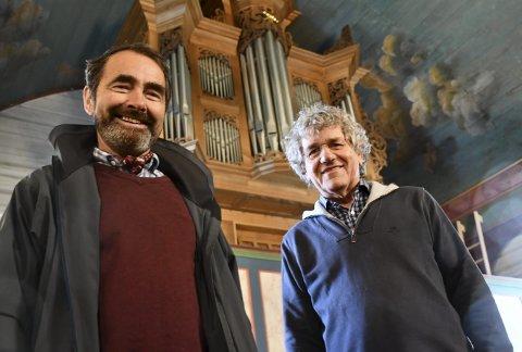 Den store dagen nærmer seg: Torleif Haugland og  Hans van der Meijden gleder seg til gudstjenesten søndag, og til søndagens konsert, der det nye orgelet skal innvies.Foto: Olav Loftesnes