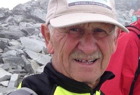 PÅ TUR: Det er ikke få kilometer Svein Lamo tilbakelegger i løpet av et år, enten på sykkel, ski eller til fots. Torsdag blir han 70, men tempoet er fortsatt høyt.