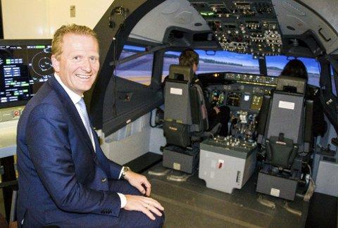 SER IKKE SAMMENHENGEN: Administrerende direktør Frode Granlund hos Pilot Flyskole ser ingen sammenheng mellom sikkerheten i lufta og bruken av bemanningsbyråer ved ansettelse av piloter.