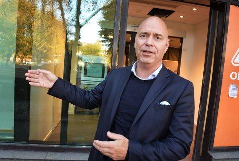 FORNØYD: Terje Solvik, banksjef i DNB Tønsberg, er glad banken nå fremsynder effektdatoen.