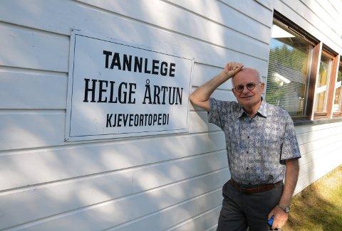 SLUTTER: - Det kjennes vemodig å avslutte etter alle disse fine årene, sier tannlege og spesialist i kjeveortopedi Helge Årtun.