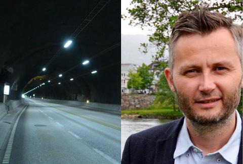 Kvinesdal-ordfører Per Sverre Kvinlaug venter på tunnel-svar fra Samferdselsdepartementet.